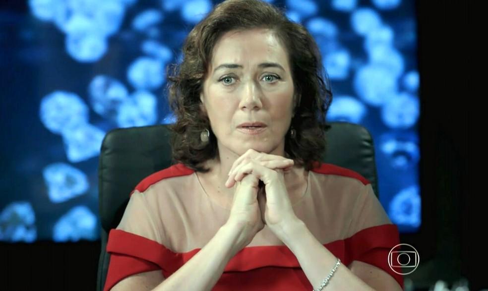Maria Marta (Lilia Cabral) revela à família que José Alfredo (Alexandre Nero) não está morto - 'Império' — Foto: Globo