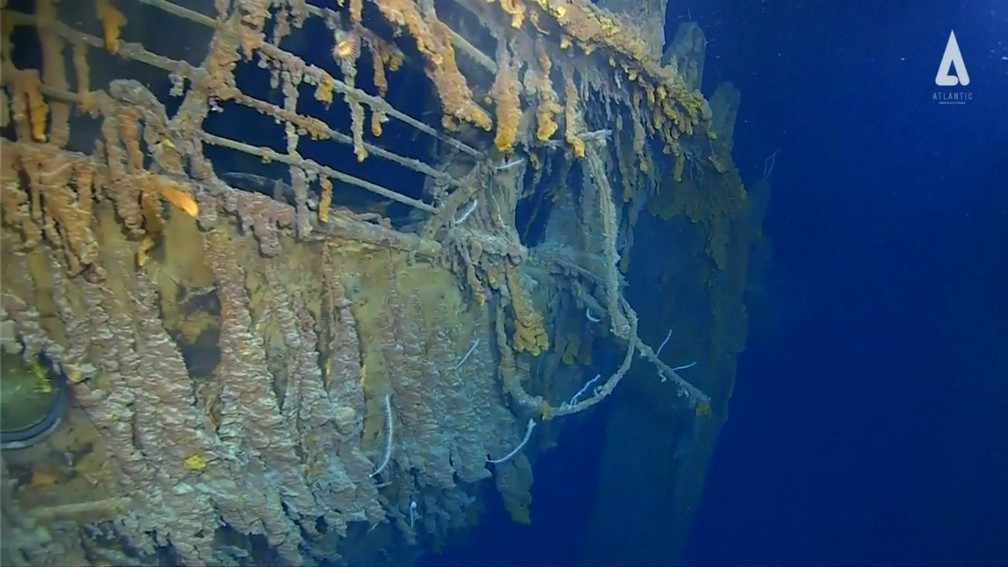 Novas imagens mostram Titanic no fundo do mar — Foto: Atlantic Productions/Reuters