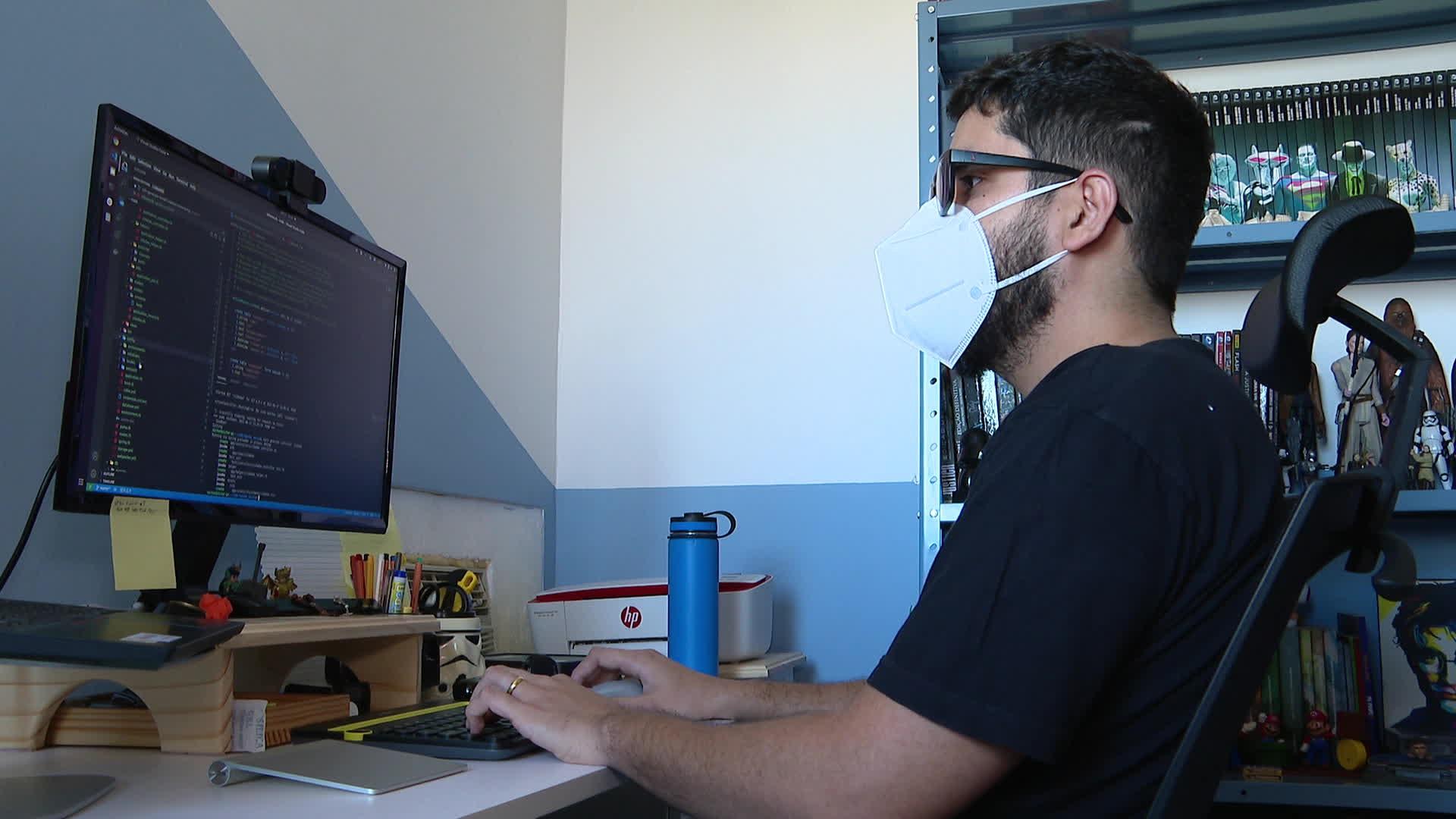 Especialistas mostram como uso da tecnologia pode solucionar falta de transparência na vacinação contra a Covid-19