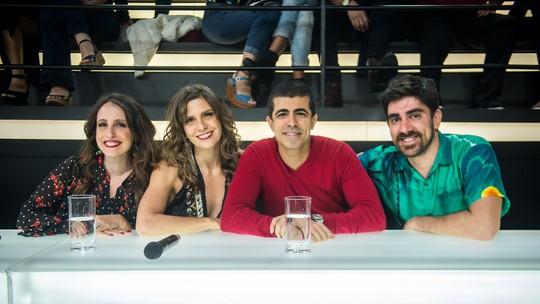 Marcelo Adnet e Marcius Melhem fazem 'dança do Kama Sutra' e revelam que já beijaram pessoa do mesmo sexo