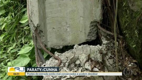 Postes levem perigo à estrada Paraty-Cunha