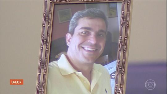 Enterrado em SP corpo de tenente-coronel da FAB morto em queda de avião