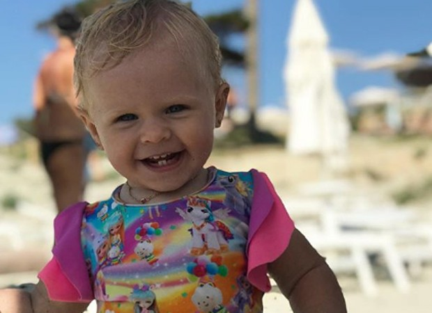 Helena exibe sorriso com os primeiros dentinhos (Foto: Reprodução/Instagram)