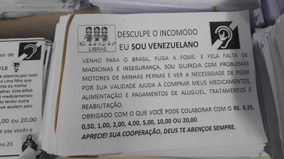 Venezuelanos entregavam cartazes nas ruas pedindo dinheiro; valores eram embolsados por casal que os mantinha em cárcere privado no Grajaú — Foto: Reprodução/Arquivo Pessoal
