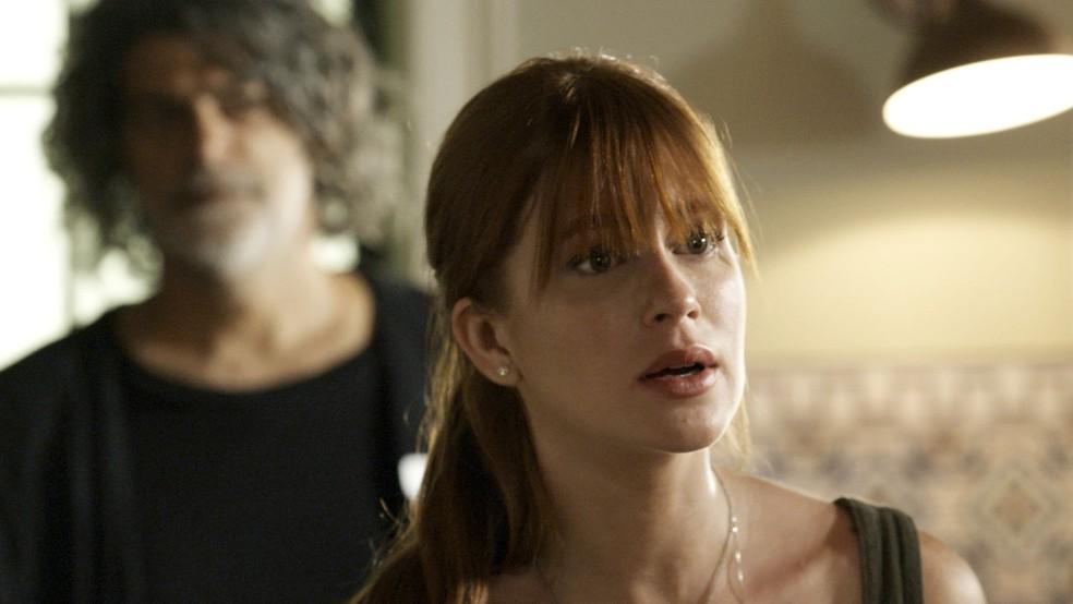 Luz (Marina Ruy Barbosa) confronta Gabriel (Bruno Gagliasso), na novela 'O Sétimo Guardião' — Foto: TV Globo