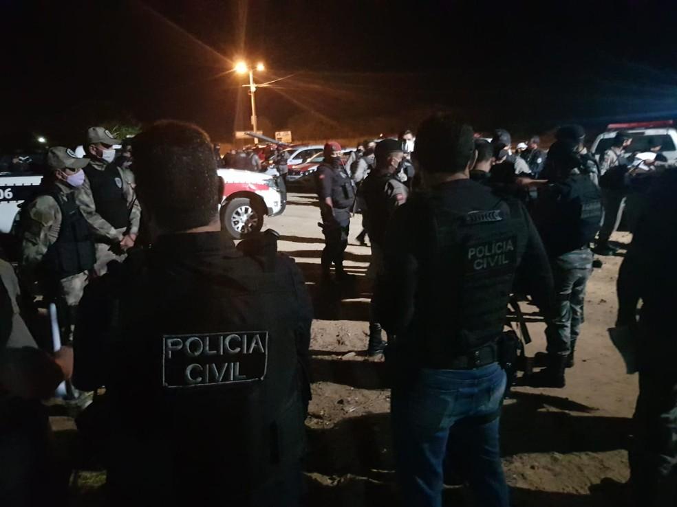 Sete pessoas são presas com armas e drogas em uma operação da polícia, no Sertão da Paraíba — Foto: Divulgação/Polícia Civil