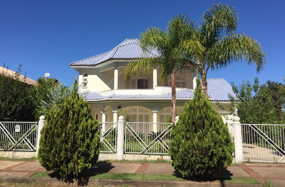 Casa onde o cantor Belchior morava em Santa Cruz do Sul, no interior do Rio Grande do Sul (Foto: Muriel Porfiro/RBS TV)
