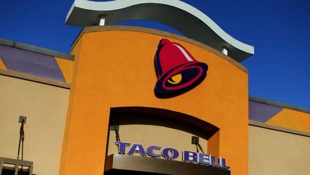 Lanchonete da rede Taco Bell na Califórnia (Foto: Mike Blake/Reuters)