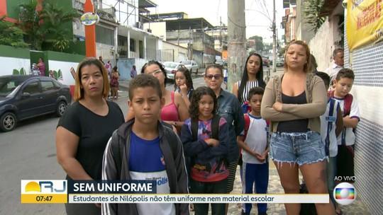 Estudantes de Nilópolis não têm uniforme nem material escolar