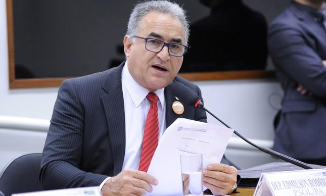 O deputado Edmilson Rodrigues, eleito prefeito de Belém