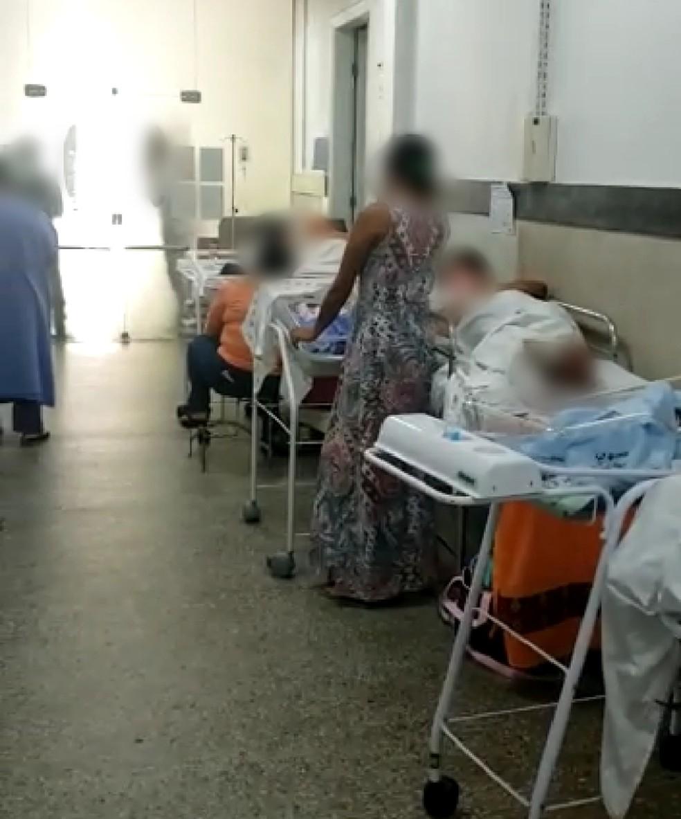 Pelo menos 26 mulheres estão internadas em corredores da maternidade Januário Cicco em Natal. — Foto: Reprodução