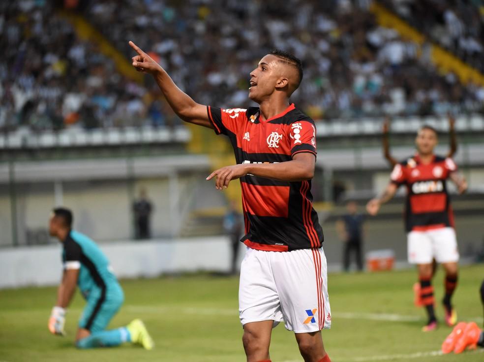 Jorge em comemoração após gol do Flamengo — Foto: André Durão