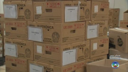 Urnas começam a ser levadas para locais de votação em Sorocaba