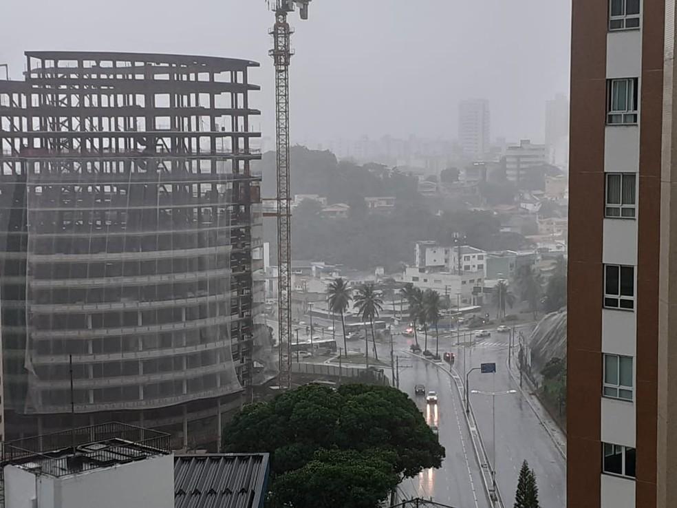 Lucaia – Salvador tem chuva forte e pontos de alagamento — Foto: Gabriel Gonçalves/G1 BA