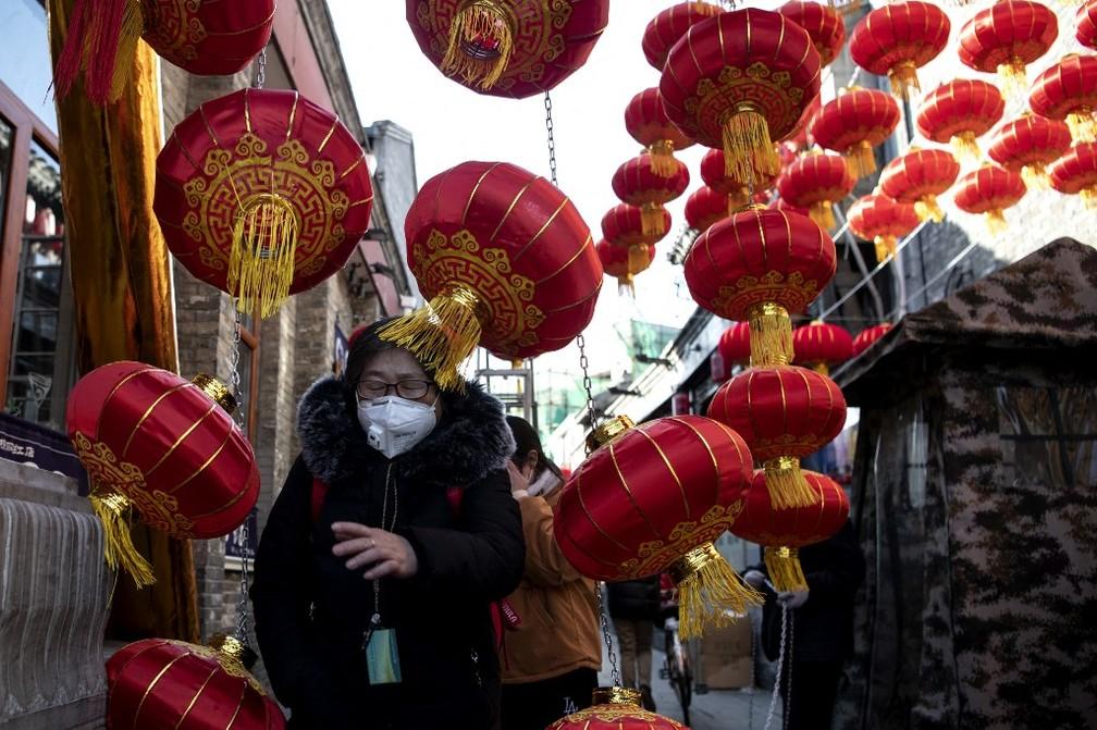 Rua de Pequim decorada para o Ano Novo Chinês, em 11 de fevereiro de 2021 — Foto: Noel Celis / AFP