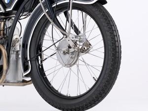 Pneu de moto de 1923 (Foto: Divulgação/BMW)