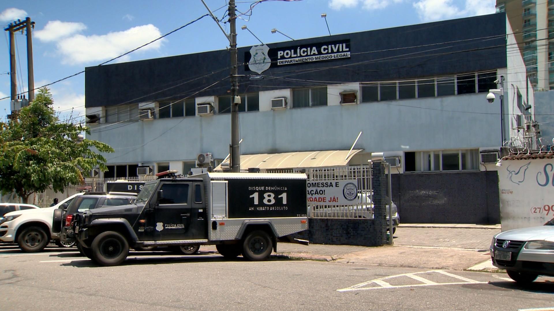 Mulher é morta a tiros em Vila Velha, no ES