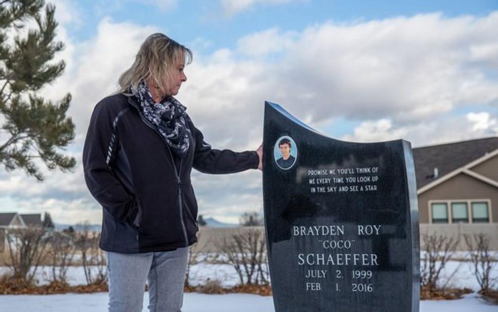 A mãe de Brayden diz que gostaria de ter sido alertada sobre o perigo de ter uma arma em casa  — Foto: Arquivo pessoal/BBC