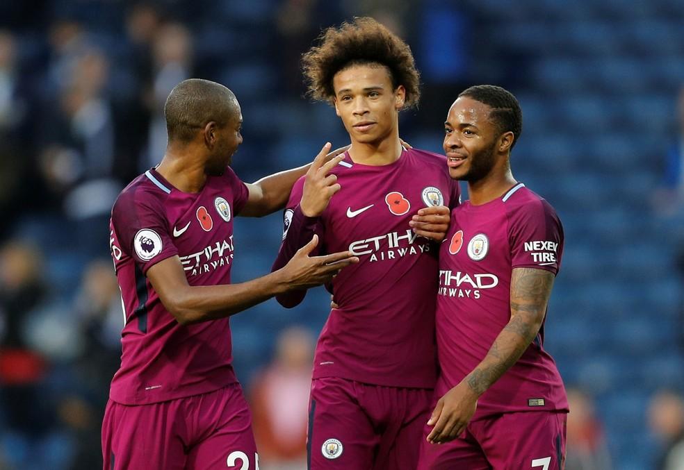 O City de Fernandinho, Sané e Sterling precisa apenas vencer o Napoli (Foto: Reuters)