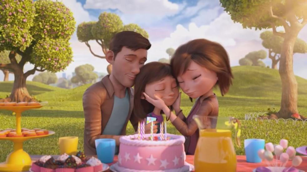 Após vencer doença, garotinha celebra a vida com os pais (Foto: WMcCann, Zombie Studio e Loud)