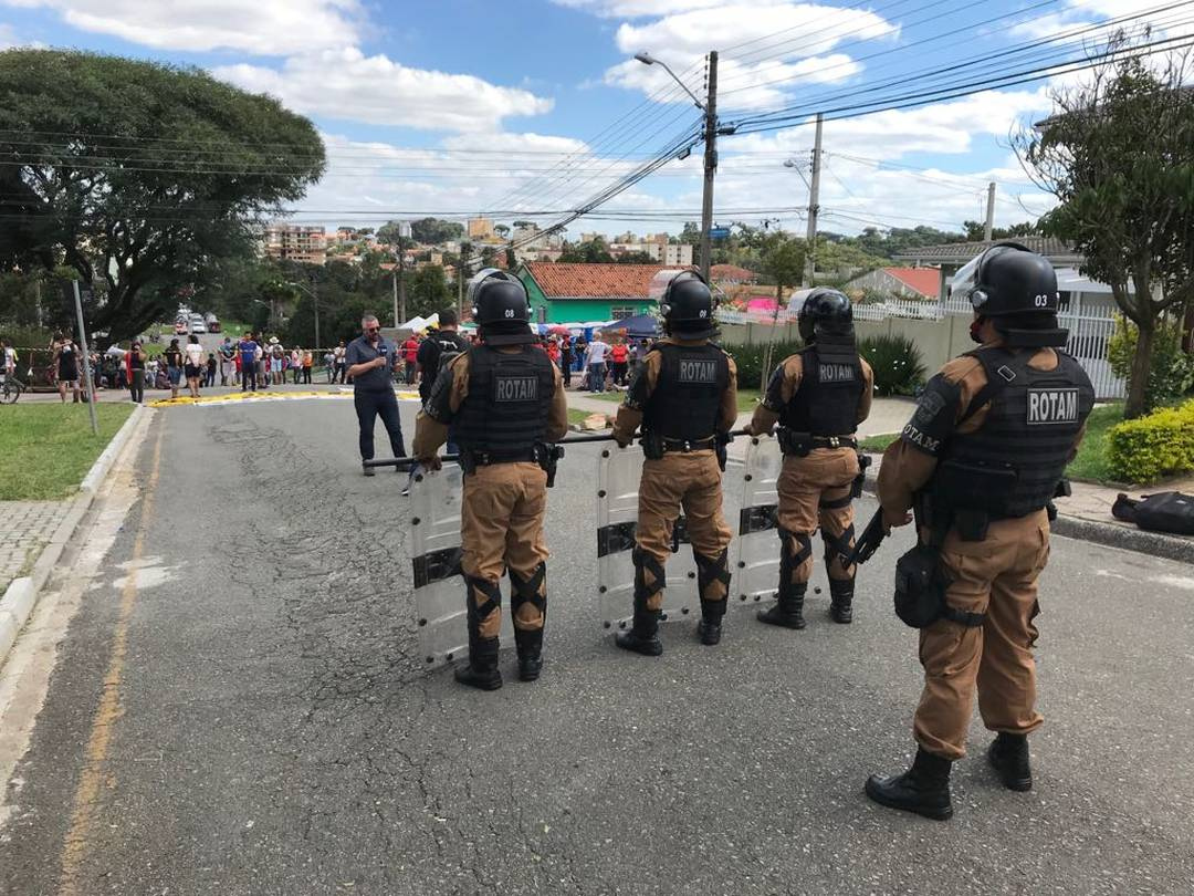 Policiamento é reforçado na região da Polícia Federal em Curitiba