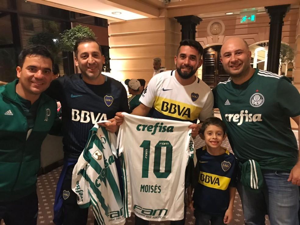 Torcedores do Boca salvam diretor do Palmeiras na saída da Bombonera