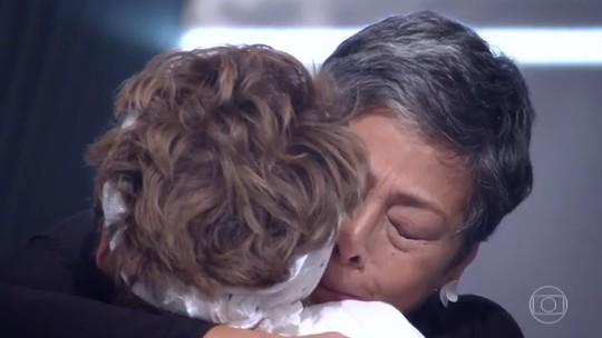 Kátia Barbosa chora em eliminação de participante; confira vídeo!