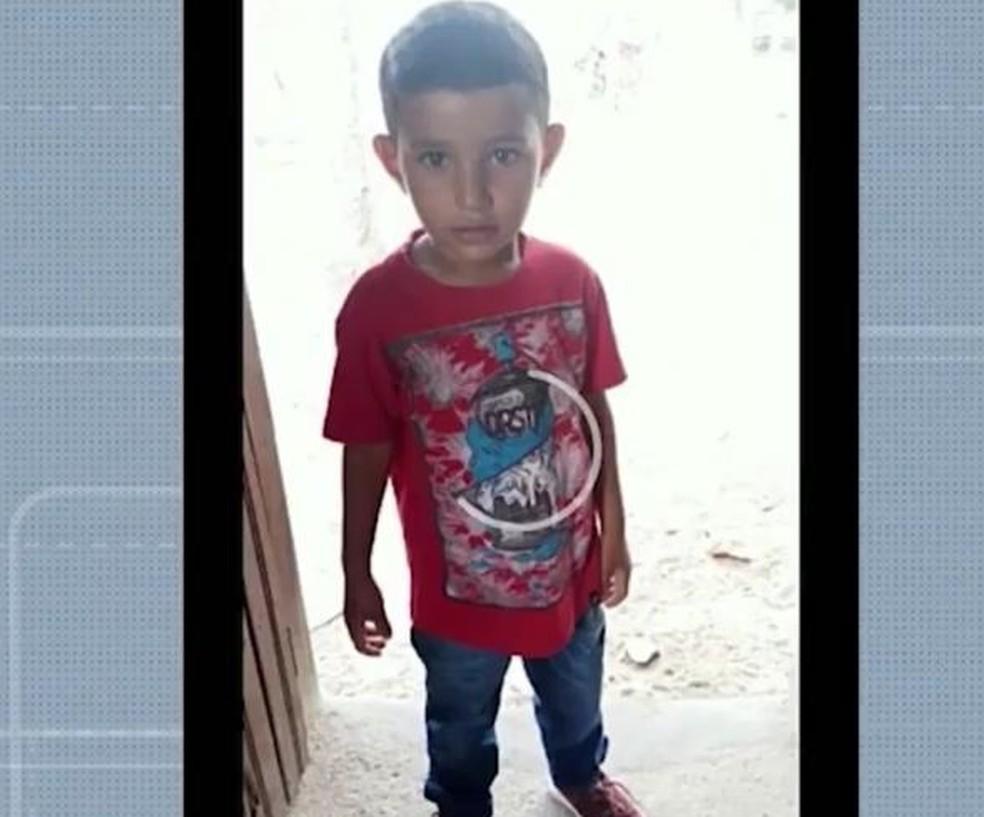Luís Felipe, 5 anos, desapareceu em naufrágio de canoa no Rio Paraguaçu — Foto: Reprodução/TV Bahia