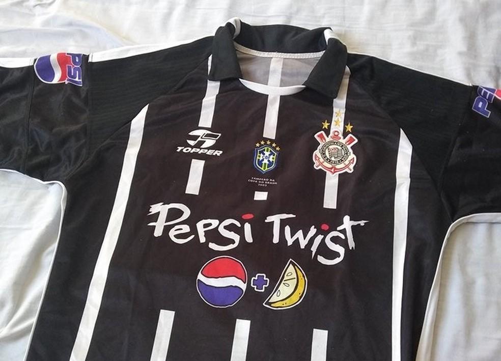"""Camisa do Corinthians com """"um toque de verde limão"""" — Foto: reprodução"""