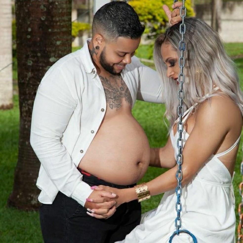 Rodrigo engravidou de forma natural após seis meses de tentativa — Foto: Arquivo pessoal