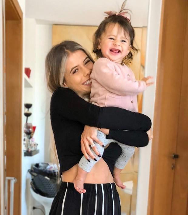 Carol Cabrino e a filha, Maria Eduarda (Foto: Reprodução/Instagram)