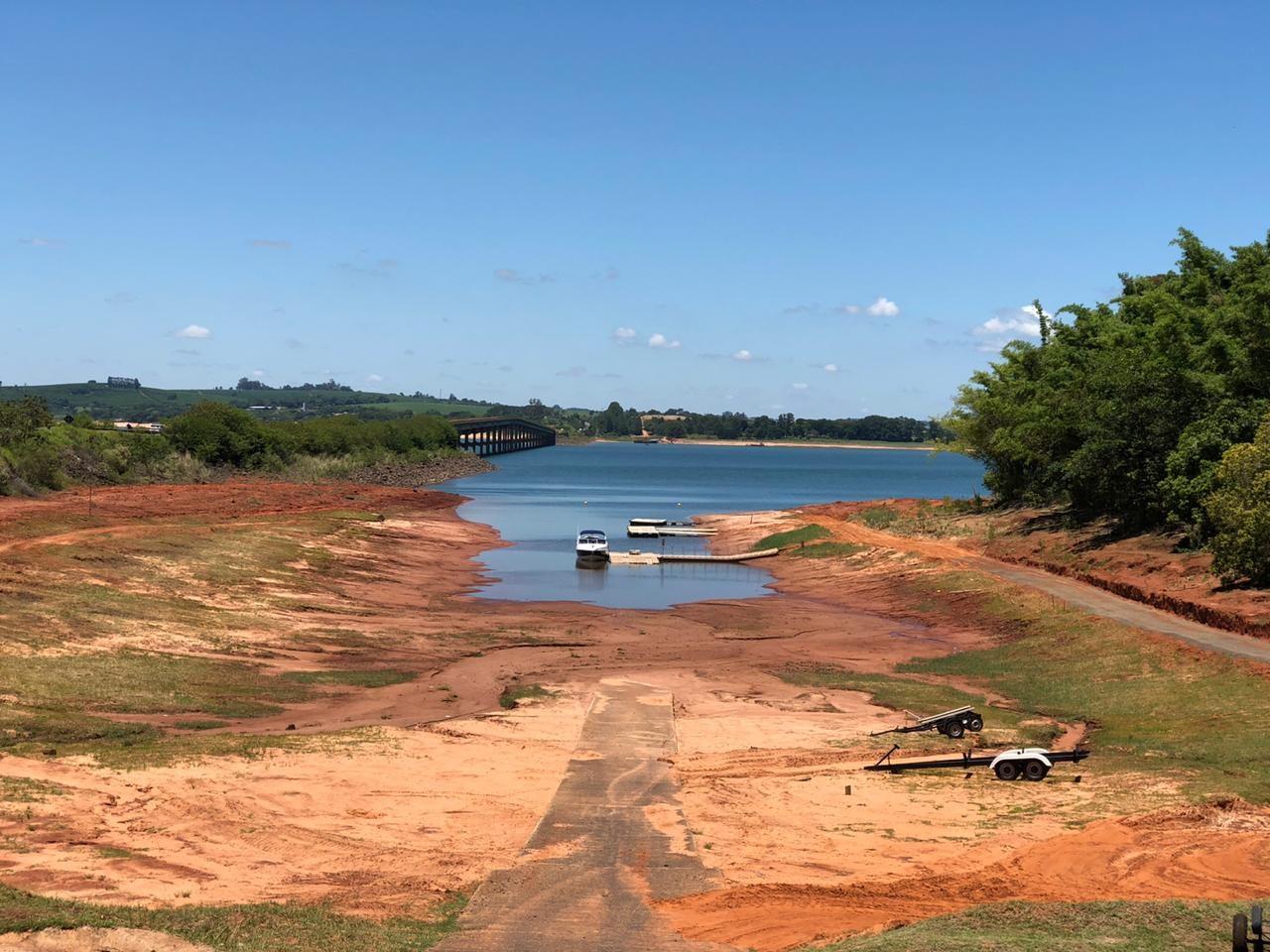 Baixo nível da represa de Jurumirim gera preocupação na região de Avaré