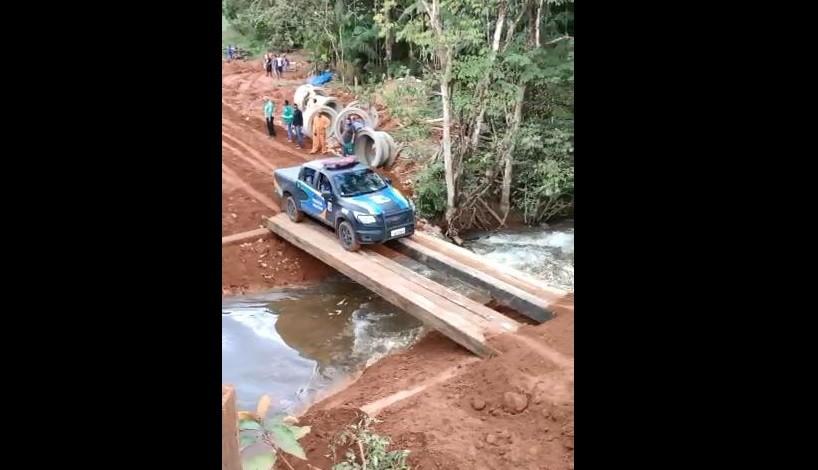Dnit faz desvio e trânsito é liberado no trecho Norte da BR-156 após ponte ficar danificada
