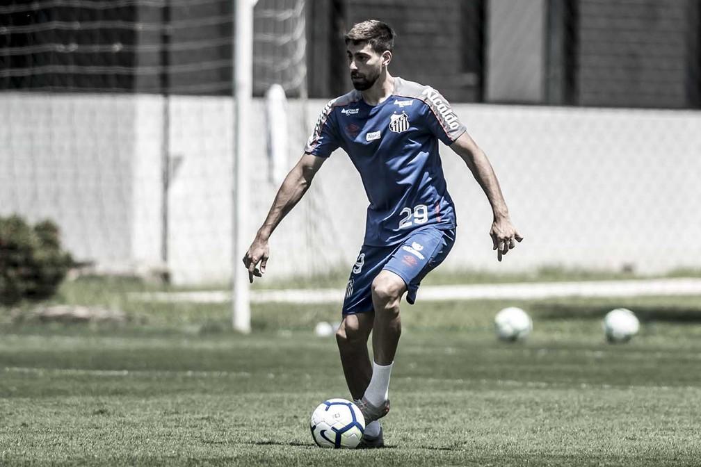 Luan Peres em treino no Santos — Foto: Ivan Storti/Santos FC