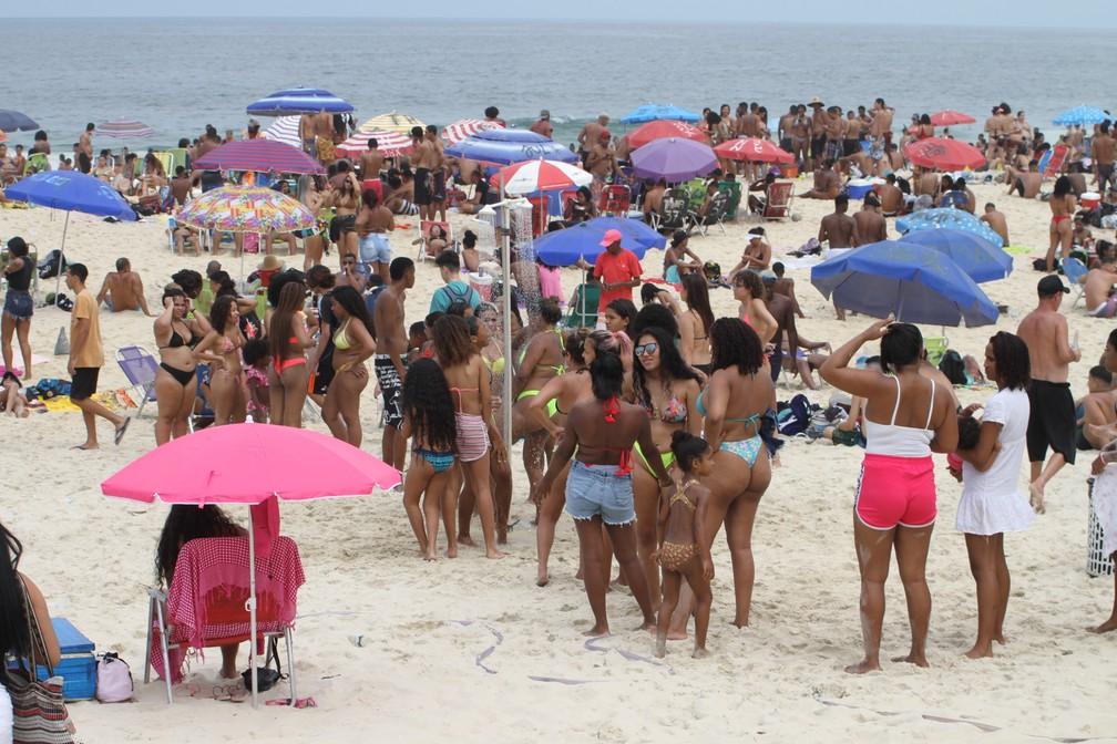 7 de setembro - Praia de Ipanema cheia no feriado  — Foto: Luiz Gomes/Fotoarena/Estadão Conteúdo