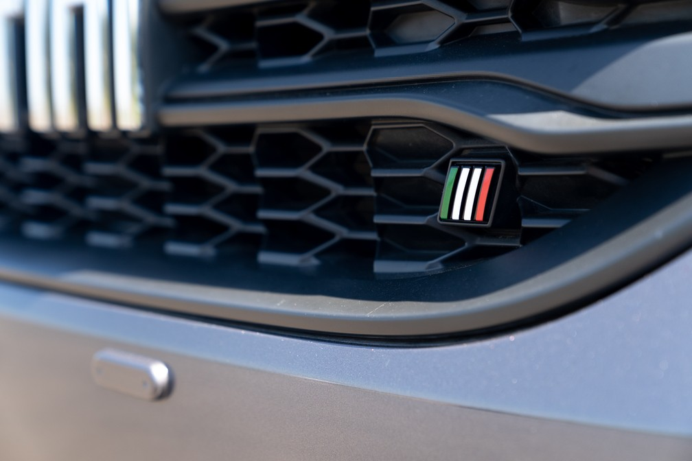 Former Fiat logo stylized on the new Strada - Photo: Marcelo Brandt / G1