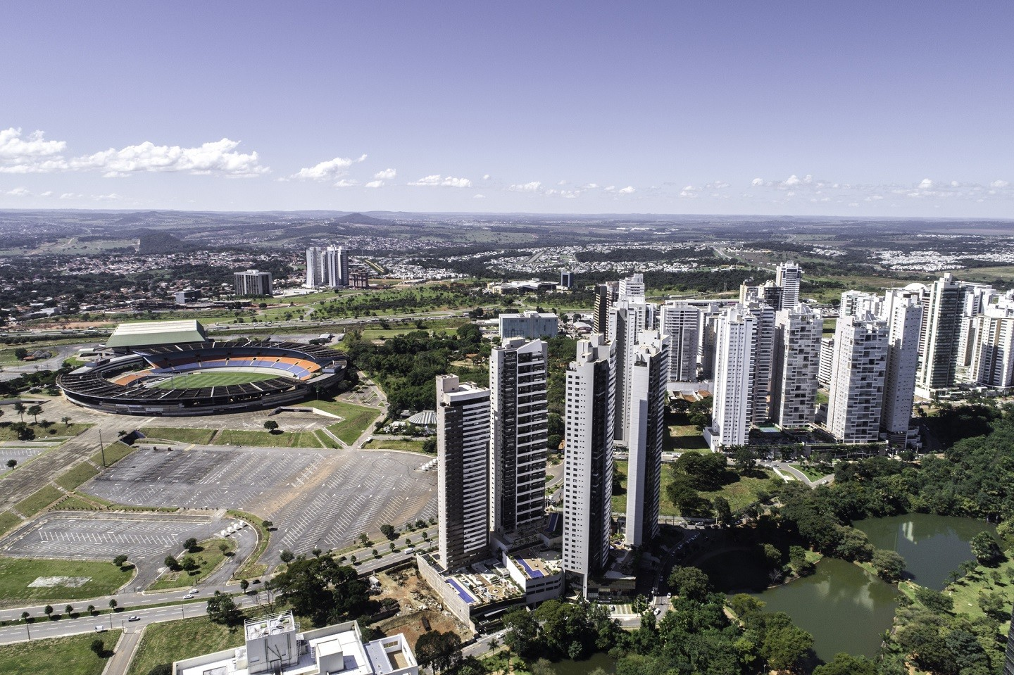 High angle view of Goiânia (GO), showing Flamboyant park (Foto: Getty Images)
