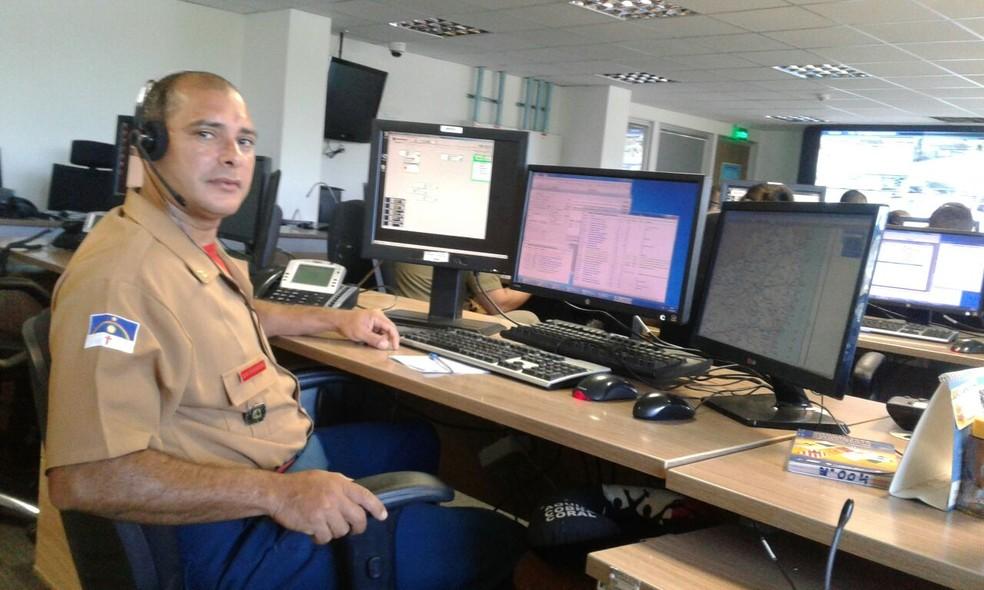 Soldado Mendes orientou mãe de bebê, que mora no Cabo (Foto: Ascom/Corpo de Bombeiros)