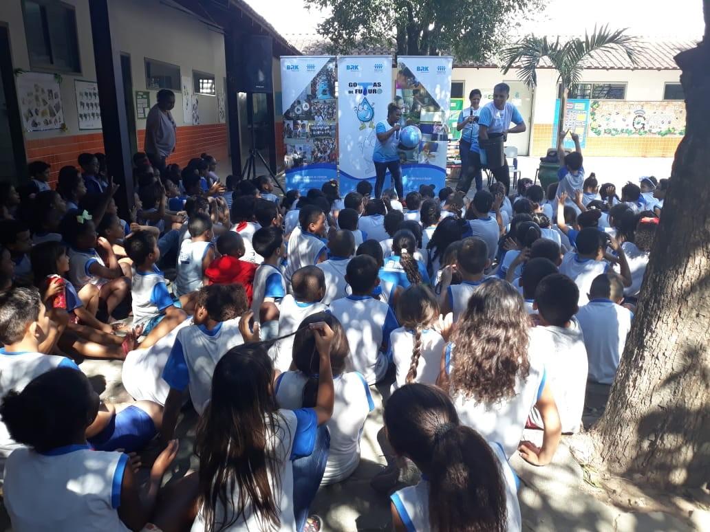 Daiane dos Santos visita escolas municipais de Rio das Ostras, no RJ  - Notícias - Plantão Diário