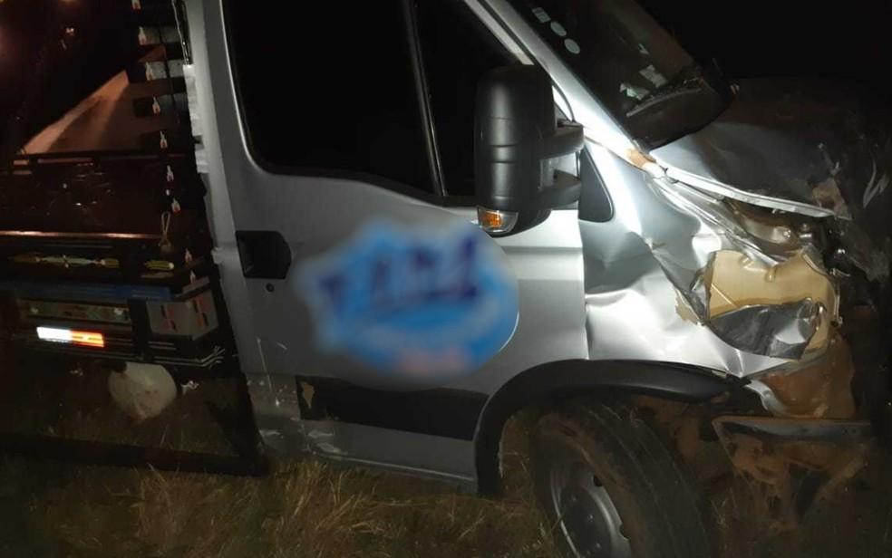 Caminhoneiro envolvido no acidente saiu ileso — Foto: PRF/Divulgação