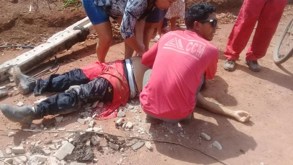 -  Sônia Sousa passava próximo ao poste quando a estrutura desabou e atingiu a mulher em Belterra  Foto: Ariane Silva