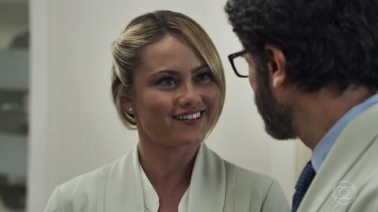 'Vídeo Show': Ellen Rocche mostra como fazer a make natural de Suzy