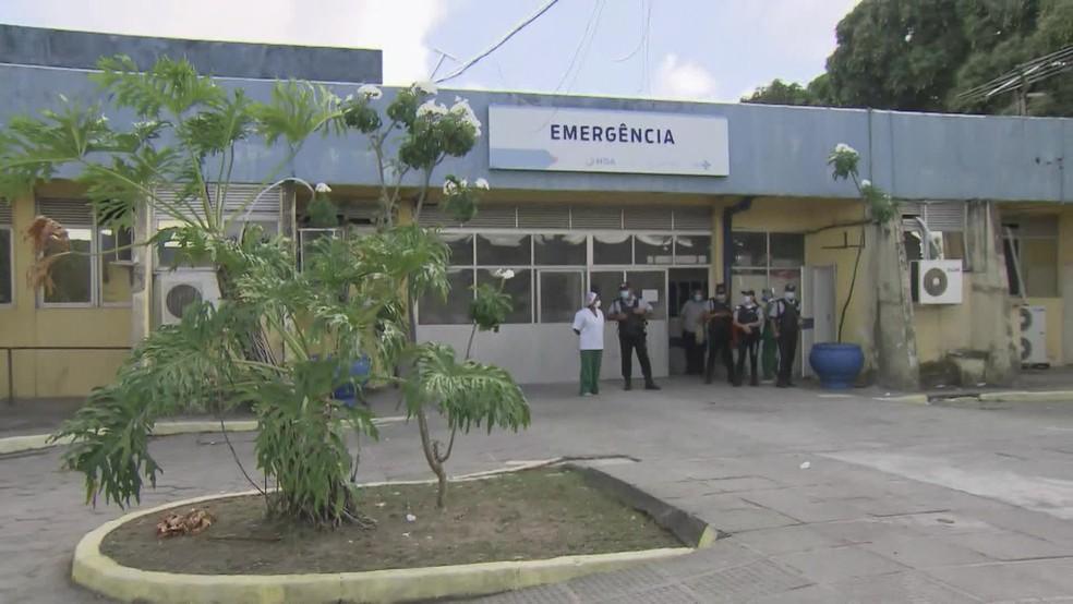 Hospital Geral de Areias, na Zona Oeste do Recife, ficou sem energia elétrica na manhã desta sexta-feira (20) — Foto: Reprodução/TV Globo
