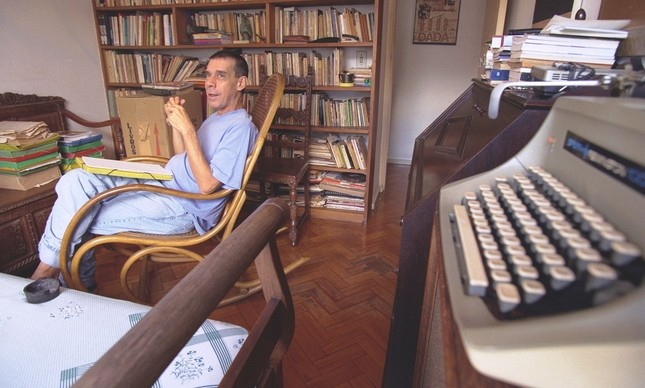 O escritor Sérgio Sant'Anna, em imagem de abril de 1997