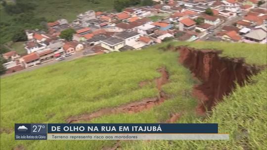 Barranco corre risco de desabar e preocupa moradores de bairro em Itajubá, MG