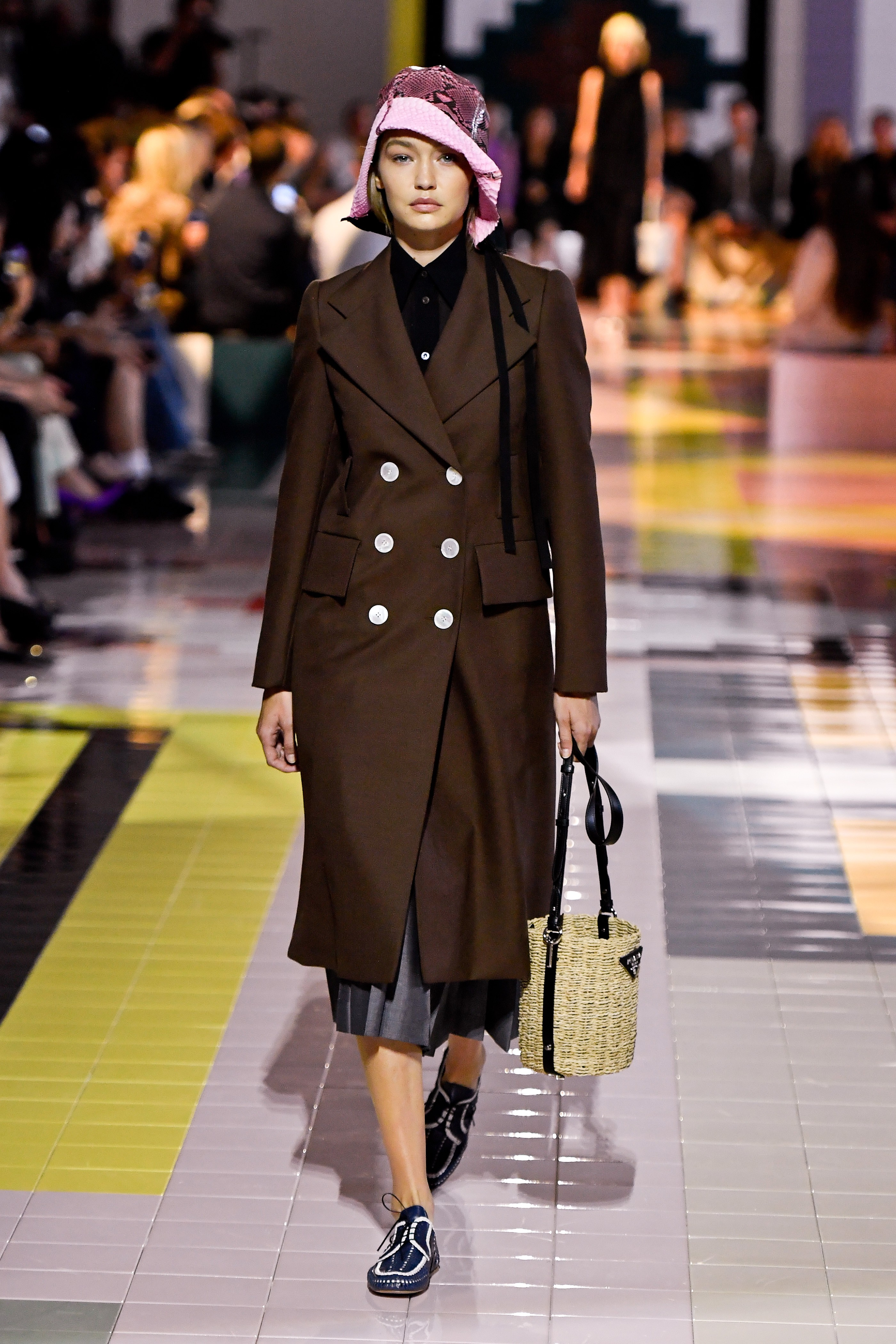 Gigi Hadid no desfile da Prada (Foto: Getty Images)
