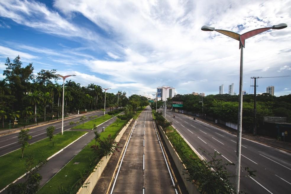 No auge da pandemia, decreto determinou lockdown em todo o Ceará e ruas ficaram vazias — Foto: Thiago Gadelha/SVM