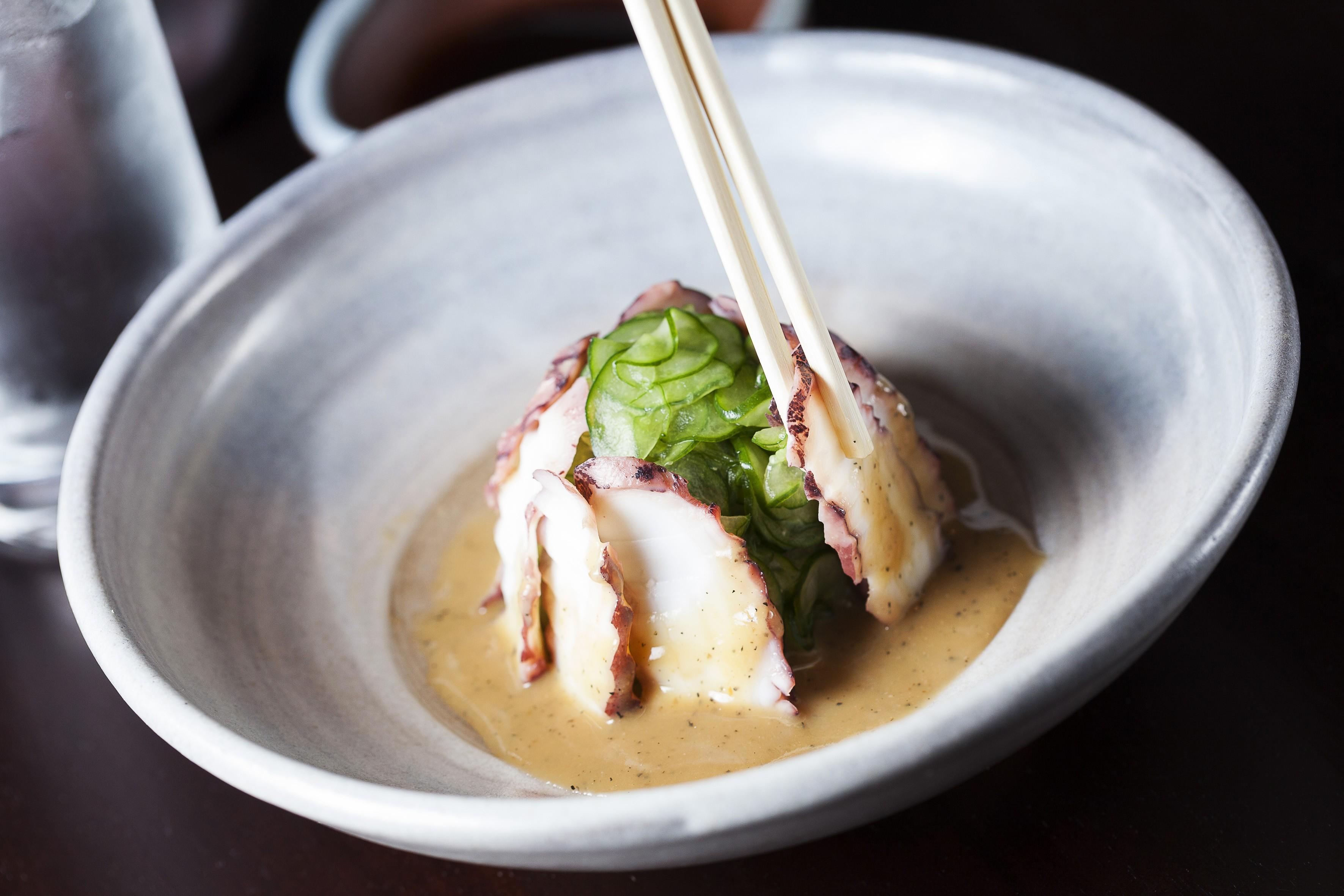 A salada de polvo e pepino do Junji Sakamoto (Foto: Divulgação)