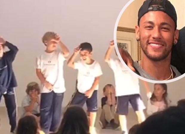 Neymar se orgulha de filho em apresentação  (Foto: Reprodução)