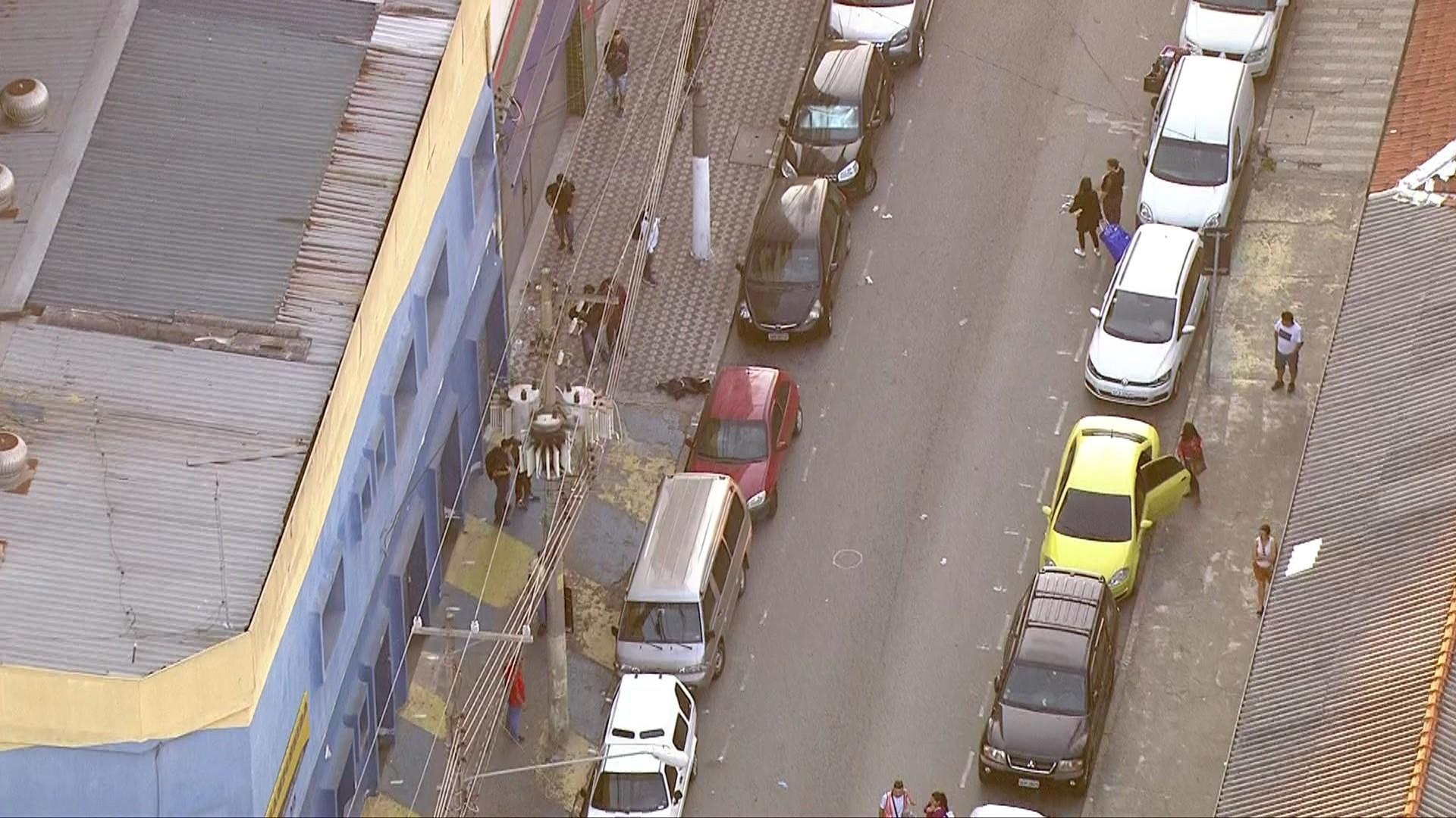 Guarda-civil morre após ser baleado por criminosos no Brás - Notícias - Plantão Diário